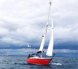 Yacht-Varne-Deux-starboard-tack-bow-250px